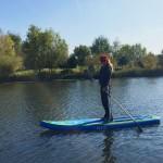 SUP-ul te ajuta sa explorezi si admiri lacul indiferent de sezon
